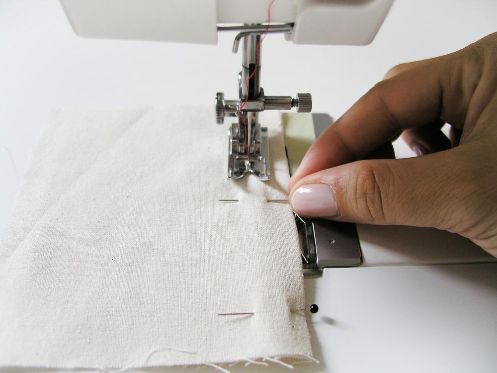 Quitar alfileres durante la costura
