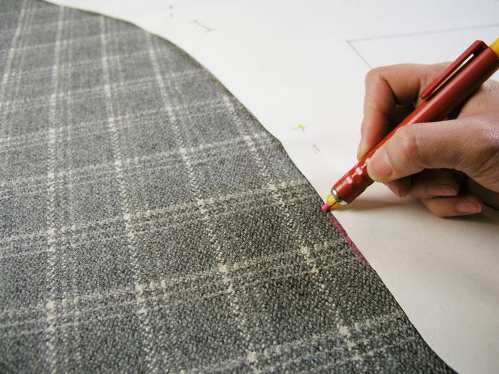 Marcar en el tejido el patrón de la capa Christine