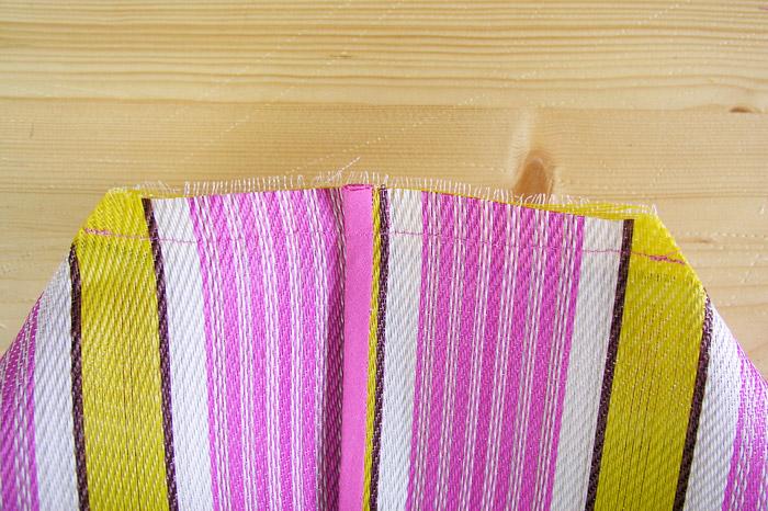 Coser los dos extremos de la base de la bolsa | Betsy Costura