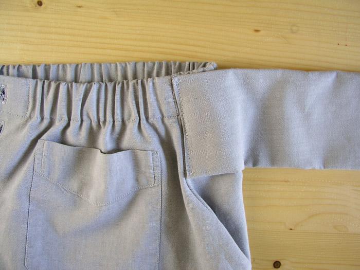 Coser la manga asegurando al inicio y final de la costura.