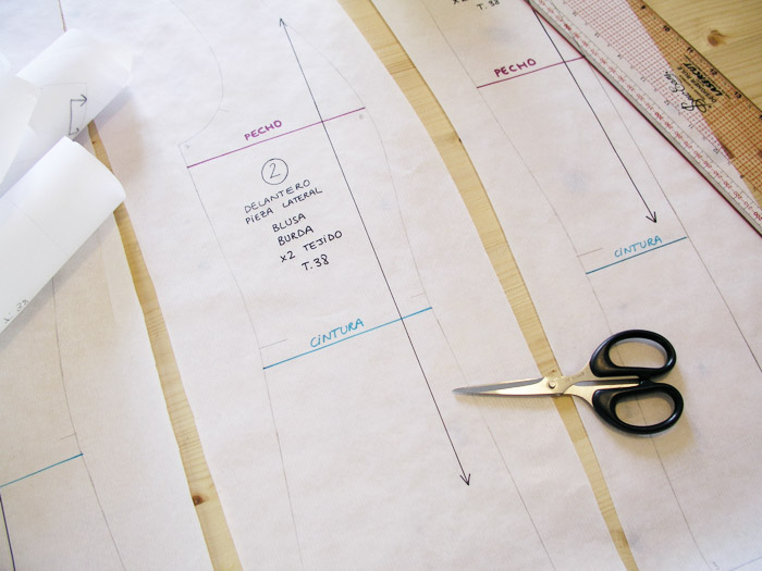Calcar patrones de la talla deseada