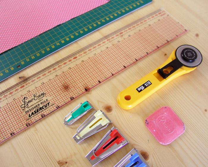 Materiales para hacer cinta al bies | Betsy Costura