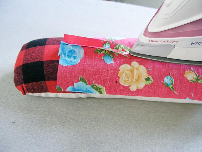 Almohadilla con forma de rodillo para planchar | Betsy Costura