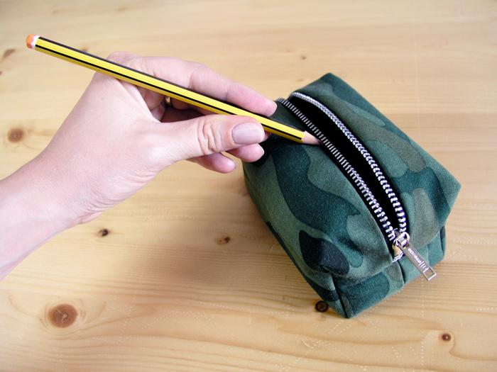 Truco de la mina de lápiz para cremalleras duras | Betsy Costura