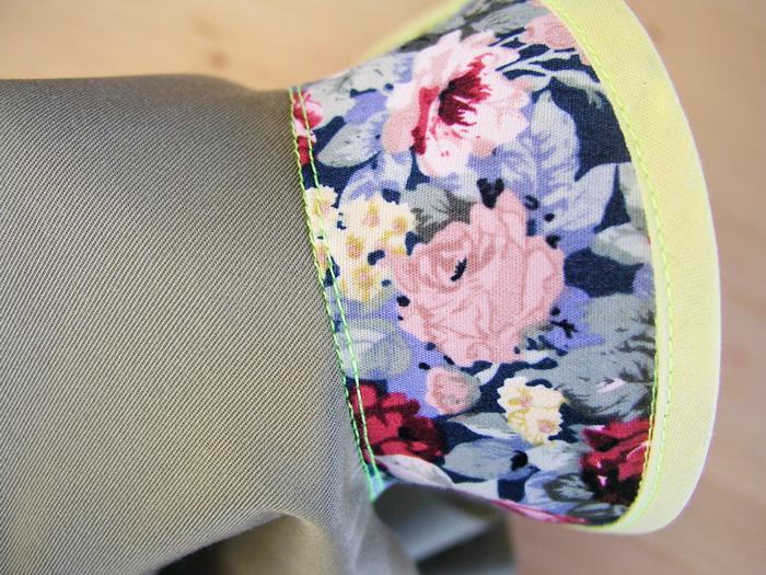 Resultado de coser un pespunte en la línea de unión entre escote y vista | Betsy Costura