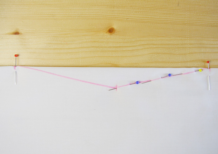 Colocar alfileres en el primer lado de la pinza de doble punta | Betsy Costura