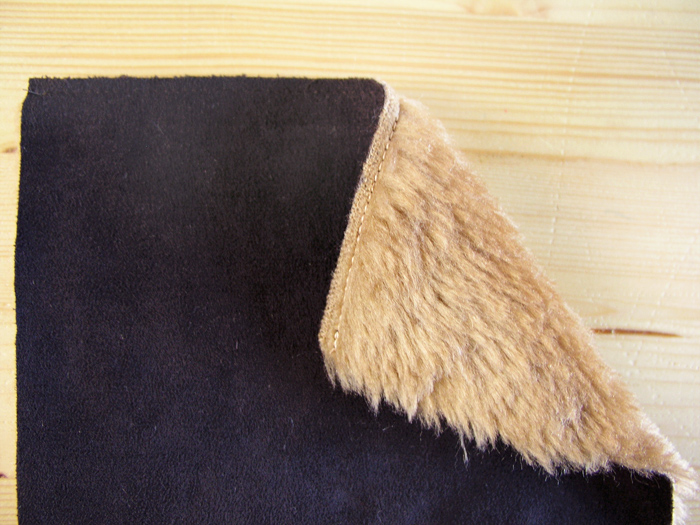Estabilizar bordes superiores de los bolsillos de la Capa Navajo | Betsy Costura