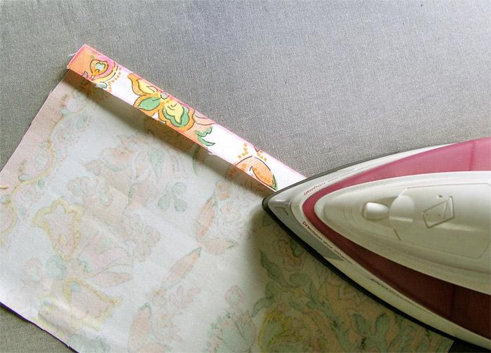 Planchar el margen de costura de uno de los lados | Betsy Costura
