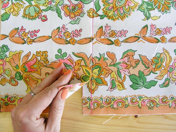 Casar las dos piezas de estampado | Betsy Costura