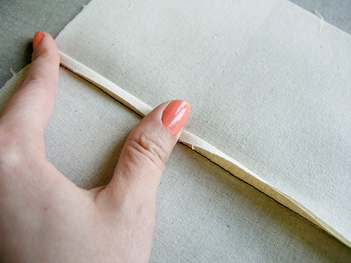 Cubir el margen de costura más estrecho con el más ancho | Betsy Costura