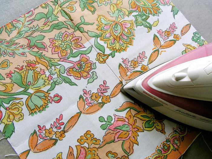 Planchar la costura de unión de los dos tejidos | Betsy Costura