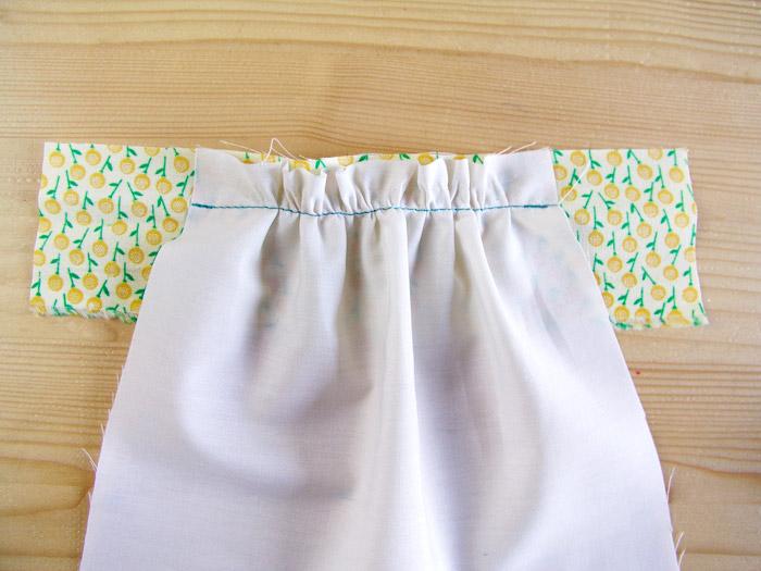 Fruncido cosido a la banda de tejido a máquina sin hilos | Betsy Costura