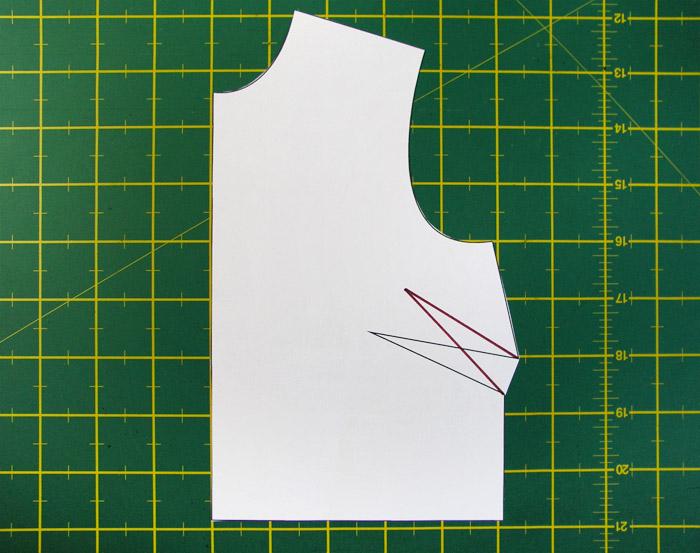 Nueva pinza con altura y separación entre puntos de pecho modificados | Betsy Costura