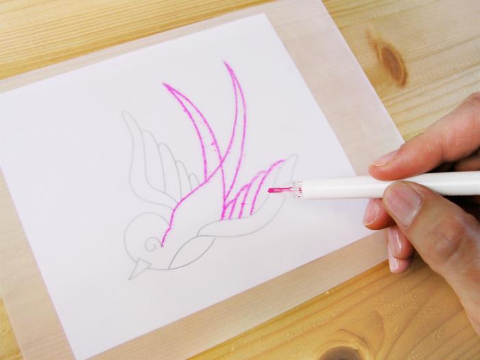 Calcar en papel transparente con el lápiz de Prym   Betsy Costura