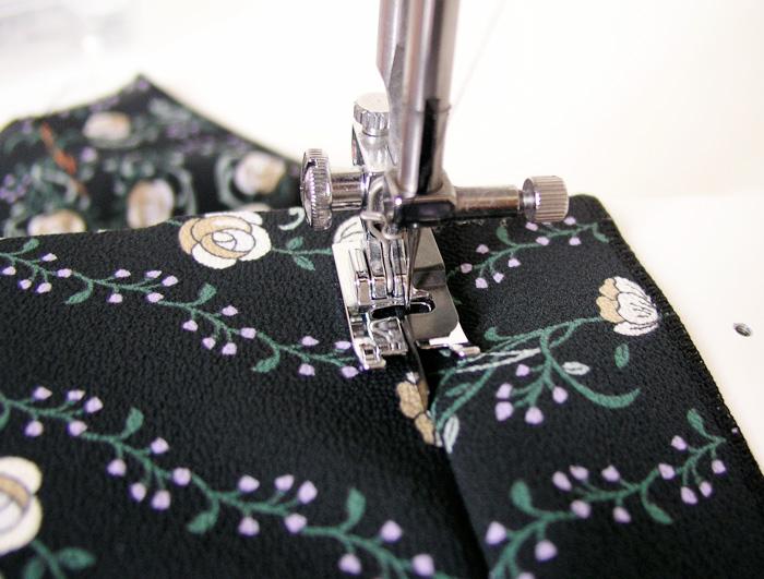Pie de máquina con guía central para coser vistas | Betsy Costura